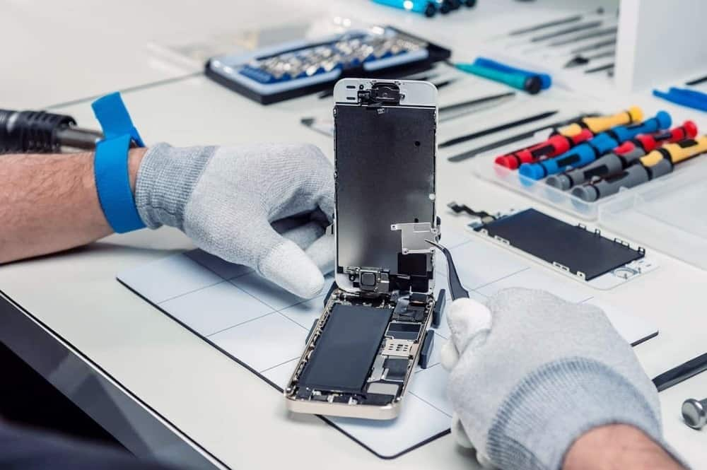 The Best Places for Cell Phone Repairs in Calgary, Guaranteed